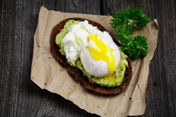 Healthy Egg And Avocado Breakfast Toast