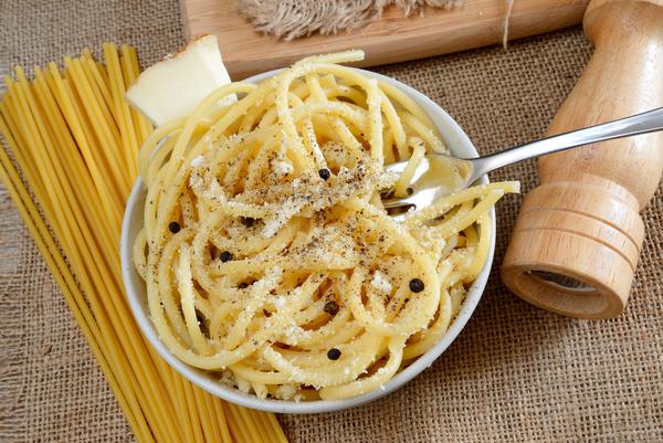 Simple Flavor-Packed Pasta: Bucatini Cacio e Pepe – 12 Tomatoes