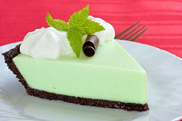 No-Bake Dessert Recipe: Green Grasshopper Pie