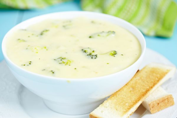 Deliciously Healthy Recipe: Low-Fat Broccoli Cheddar Soup