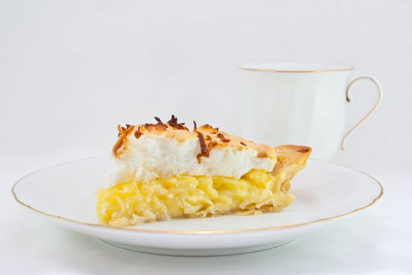 Deliciously Toasted Treat: Classic Coconut Cream Meringue Pie