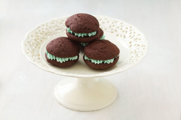 St. Patrick's Day Favorite: Chocolate Mint Mini Whoopie Pies