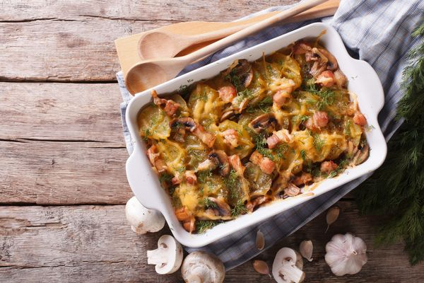 Hearty And Jam-Packed Side Dish: Cheesy Mushroom Bacon Potato Gratin