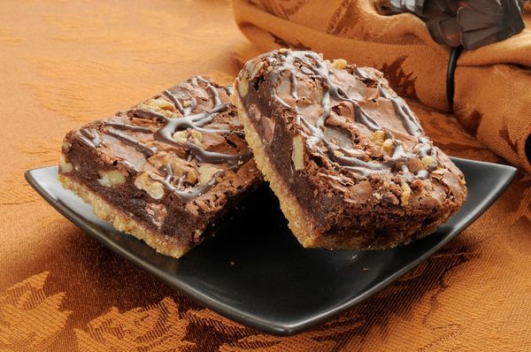 Chocolate Nutty Goodness: Walnut And Fudge Brownie Shortbread Bars
