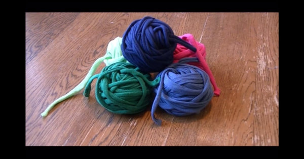 You'll Never Guess What Everyday Item You Can Use To Make Yarn - Check It Out!