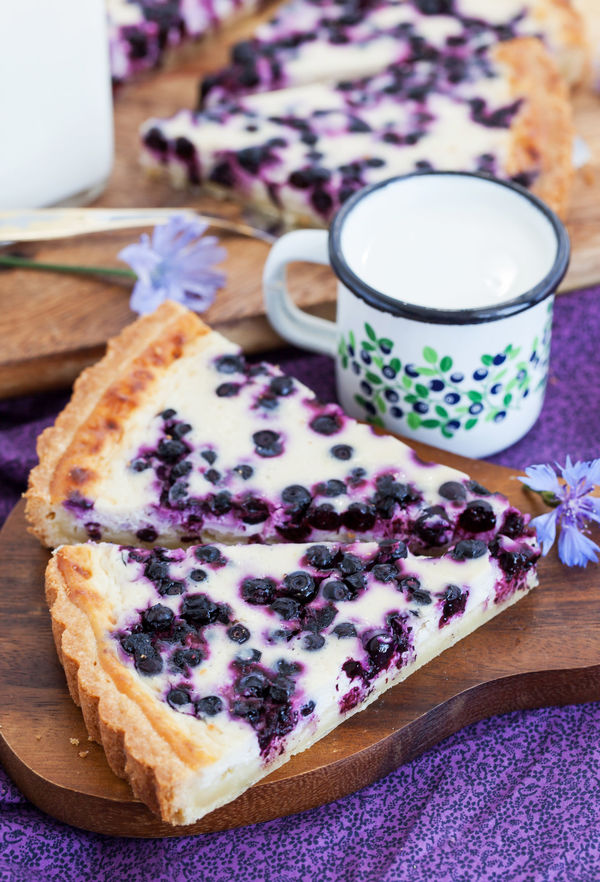 Elegant Blueberry Honey Ricotta Tart â 12 Tomatoes