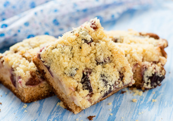 Simple And Sweet Cherry Streusel - The Perfect Picnic Bars!