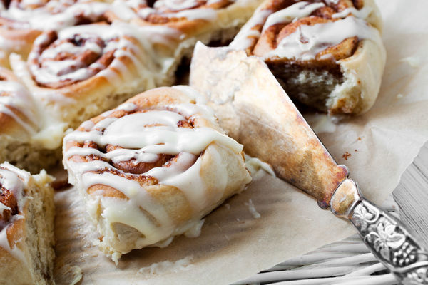 These Cinnamon Rolls Are Crazy Good - And With Homemade Dough In Under 30 Minutes!!