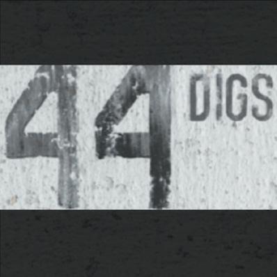 44logo400