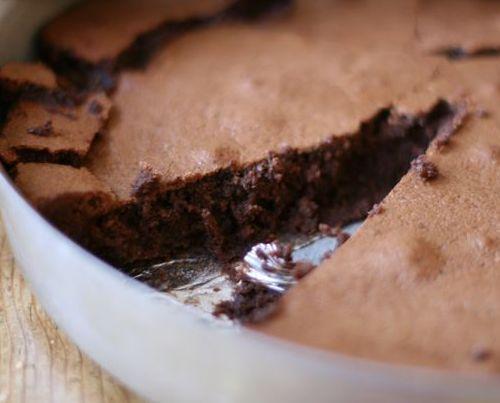 Flourless Chocolate Hazlenut Cake from Sugarlaws