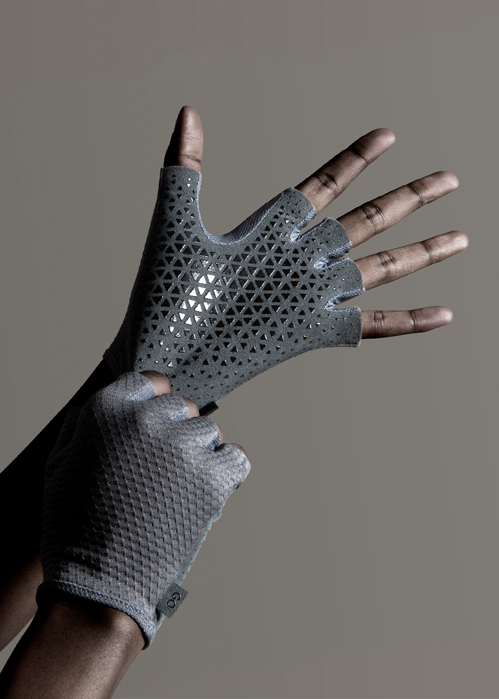 benjamin-hubert-materialise-go-gloves-culture-commerce