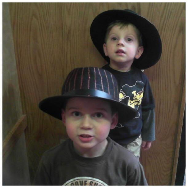 Elliot & Finn Thompson