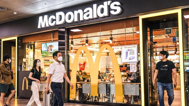 McDonald's reconsiders safety of indoor dining amid delta variant surge