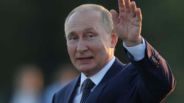 Putin watches huge display of firepower during Zapad war games