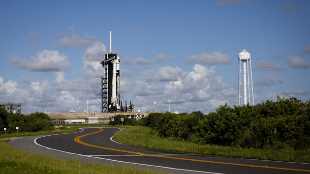 SpaceX set to launch 1st all-civilian flight to Earth's orbit