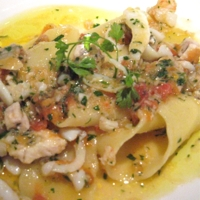 Pappardelle ai Frutti di Mare con Prezzemolo Italiano e Pomodoro Fresco Recipe