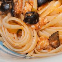 Linguine con ragù piccante di pescatrice e olive nere Recipe