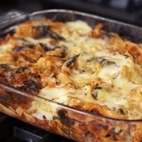 Baked tagliatelle with spinach and ground pork Recipe