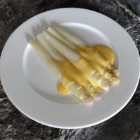 Asparagus with Hollandaise Sauce, the king of vegetables Recipe