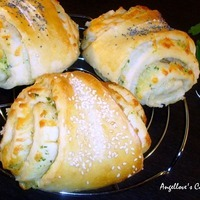 Cheese Rolls with Garlic Butter Recipe