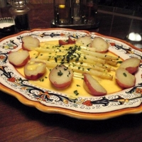 White Asparagus with Hollandaise Sauce Recipe
