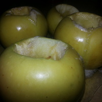 Шоколадные блины с медовыми яблоками Recipe