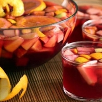 The sangria, perfect to cool this summer. Recipe