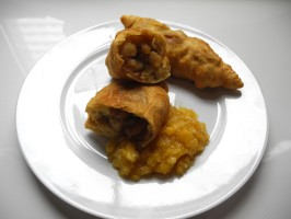 Aloo Pie with Apple-Mango Chutney