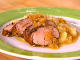 Spice-Rubbed Pork Tenderloin with Celery Root-Apple Puree and Cider Gravy