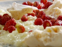 Creamy Rice Pudding with the Quickest Strawberry Jam