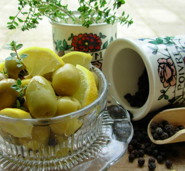 Peppery Citrus Olives