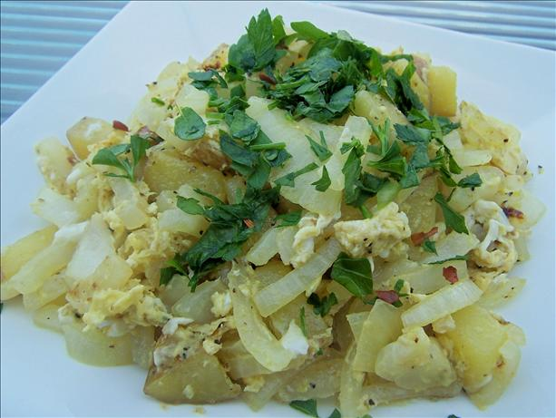 Turkish Potatoes and Eggs (Patatesli Yumurta)