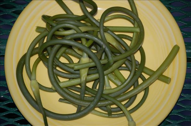 Early Garlic Greens (Garlic Scapes)