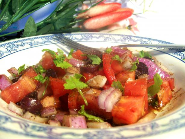 Tomato Salad With Olives and Onion