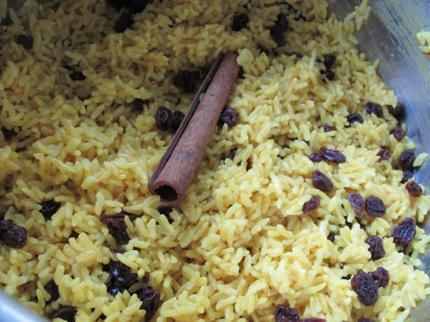 Geelrys (South African Yellow Rice With Raisins)