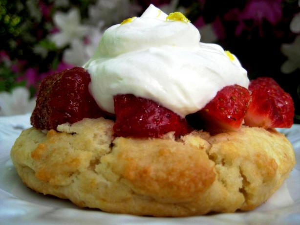 Easy and Tasty Strawberry Shortcake