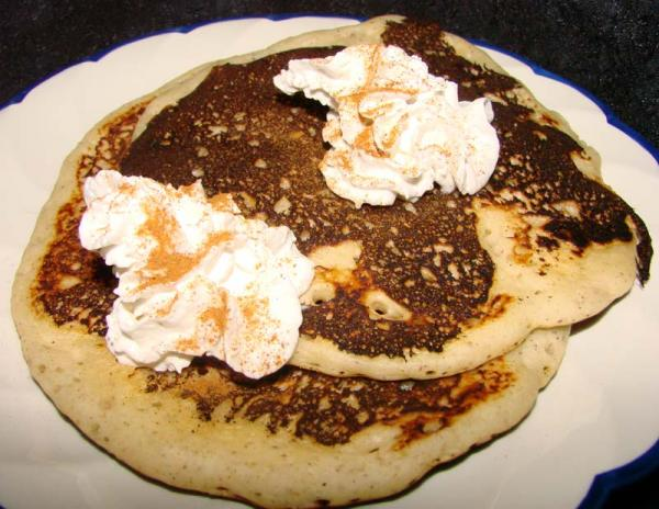 Awesome Apple and Cinnamon Pancakes