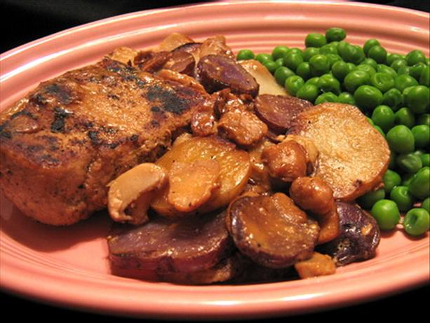 Russian Pork Chops and Potatoes in Sour Cream Sauce