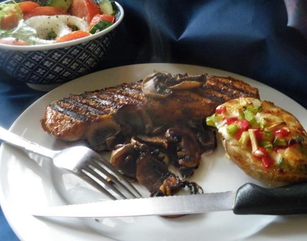 Steak With Sherried Mushrooms
