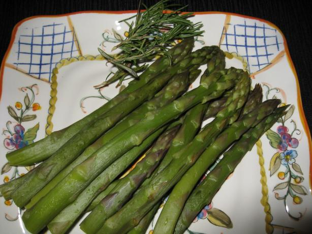 Rosemary Steamed Asparagus