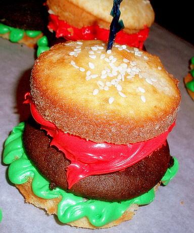 Cute Hamburger Cupcakes