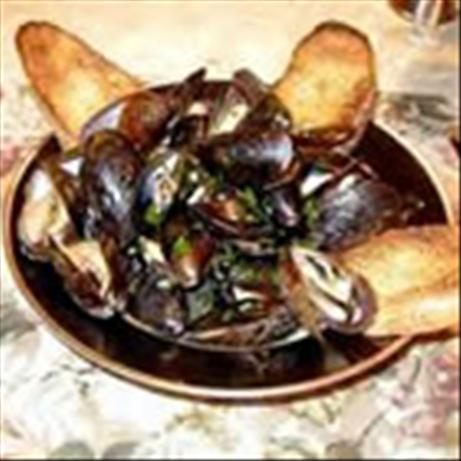 Mussels With Prosciutto and Sherry