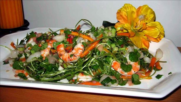 Fragrant Thai Prawn and Lychee Salad