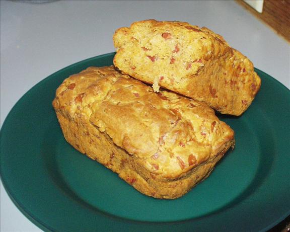 Tomato-cheddar Bread