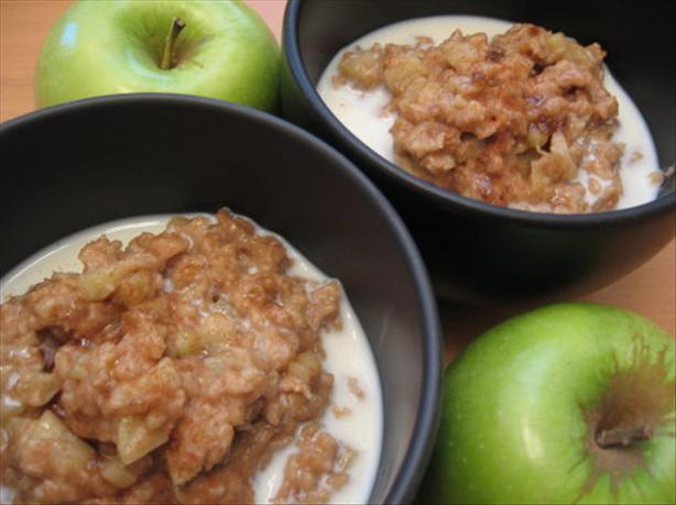 Microwave Creamy Apple-Cinnamon Oatmeal