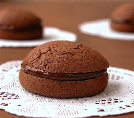 Gianduia Sandwich Cookies (Chocolate-Hazelnut)