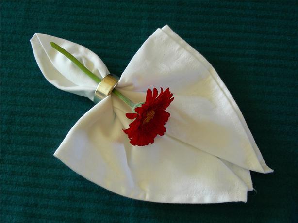 Serviette/Napkin Folding, Formal Version Drop and Tie