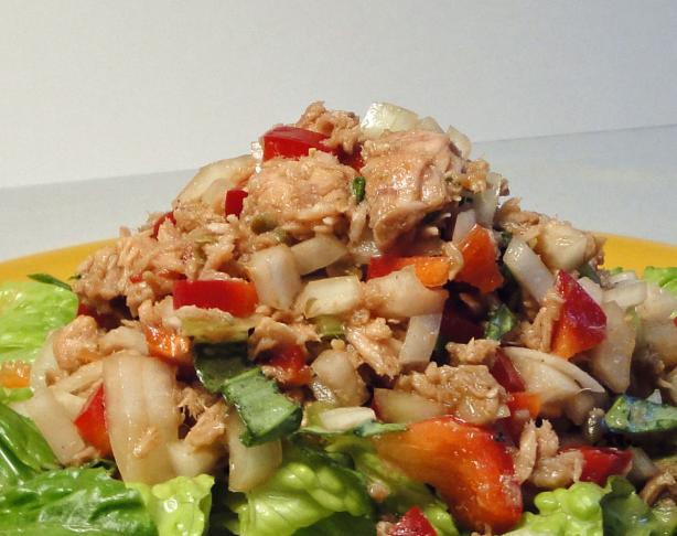 Tuna Salad With Bell Peppers and Herbs (No Mayonnaise)