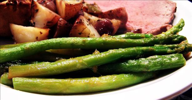 Apricot-Glazed Roasted Asparagus (Low Fat)