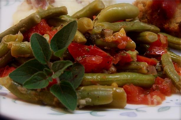 Green Beans With Tomatoes and Oregano